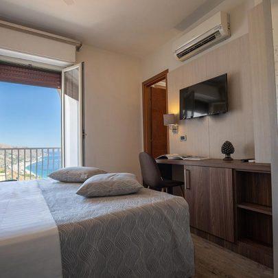 splendid-hotel-taormina-homepage-camera-deluxe-vista-mare-e-balcone